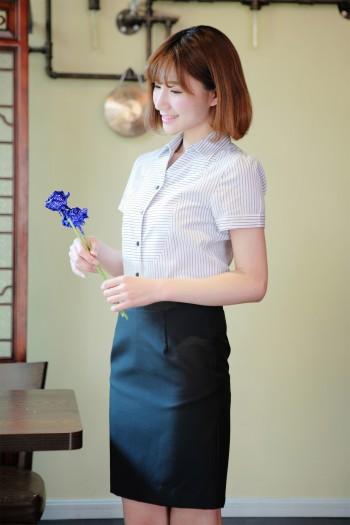 女式短袖条纹衬衫