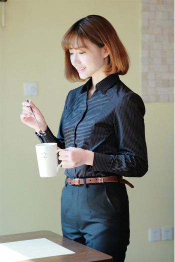 女式条纹长袖衬衫